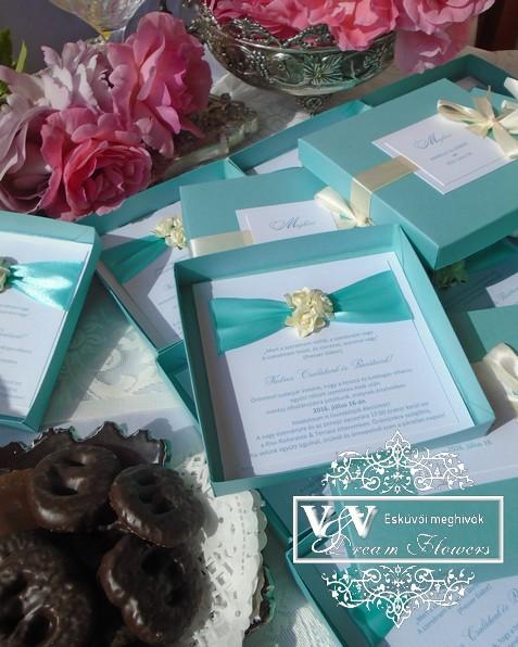 Dobozos esküvői meghívók menta és ekrü színben