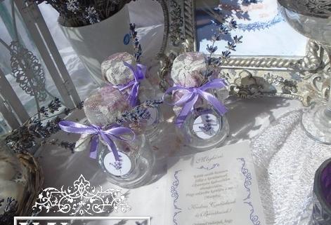 Levendulás esküvői meghívó - palackos levendulás meghívók