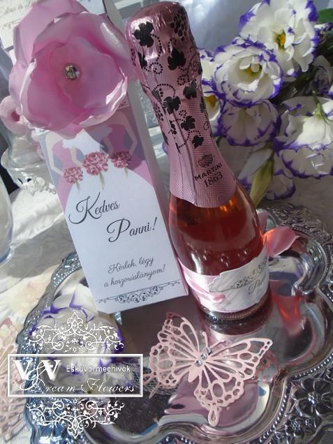 Koszorúslány felkérő pezsgővel díszdobozban