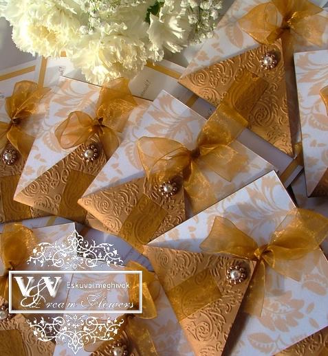 Esküvői meghívó gyöngyös díszítéssel bronz színben